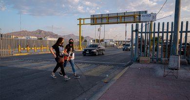 México y EEUU mantienen cierre fronterizo hasta el 21-M / Mexico Keeps Some Border Crossing Curbs for Another Month