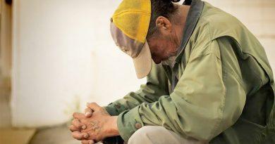 Personas sin hogar pueden obtener pagos de impacto económico / Those experiencing homelessness can get Economic Impact Payments