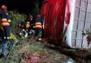 Al menos 8 muertos y 20 heridos en accidente de bus en Ecuador / At least 8 dead and 20 injured in bus accident in Ecuador