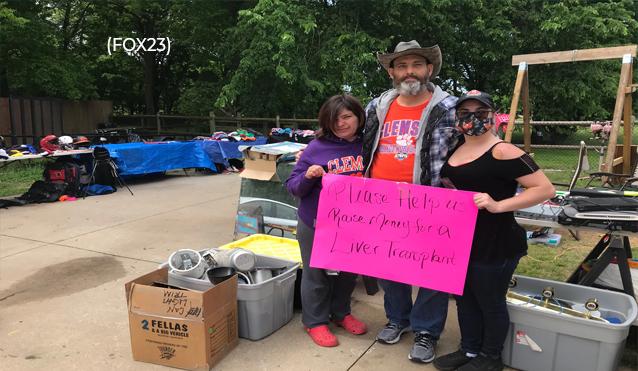 Venta de garaje de Owasso recaudando dinero para el trasplante de hígado de un hombre / Owasso yard sale raising money for man's liver transplant